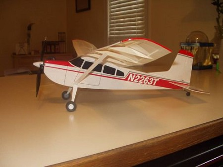 C-185 - Sport scale model Model Airplane Kit